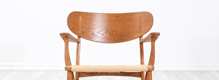 Pair of Hans J. Wegner CH-22 Lounge Chairs for Carl Hansen & Søn For Sale 3