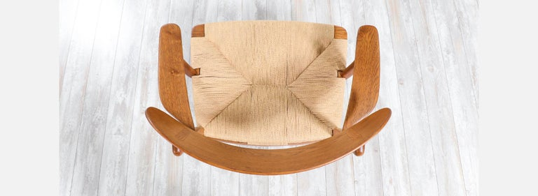 Mid-20th Century Pair of Hans J. Wegner CH-22 Lounge Chairs for Carl Hansen & Søn For Sale