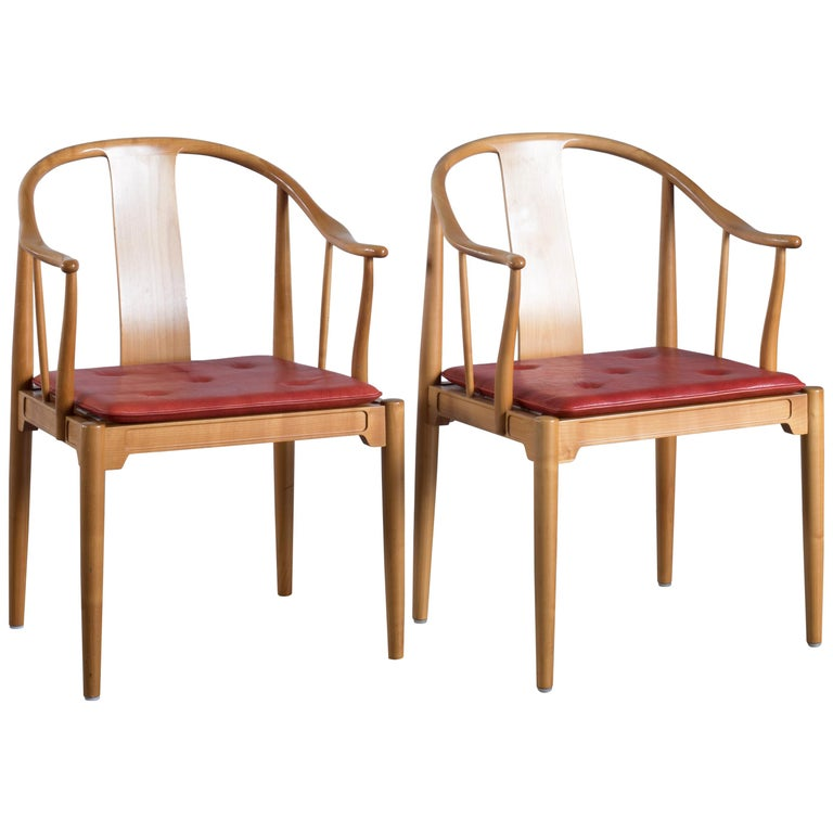 Pair of Hans J. Wegner Chinese Chairs of Cherrywood for Fritz Hansen For Sale