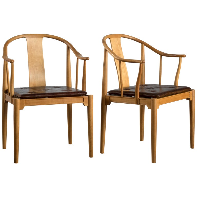 Pair of Hans J. Wegner Chinese Chairs of Cherrywood for Fritz Hansen For Sale