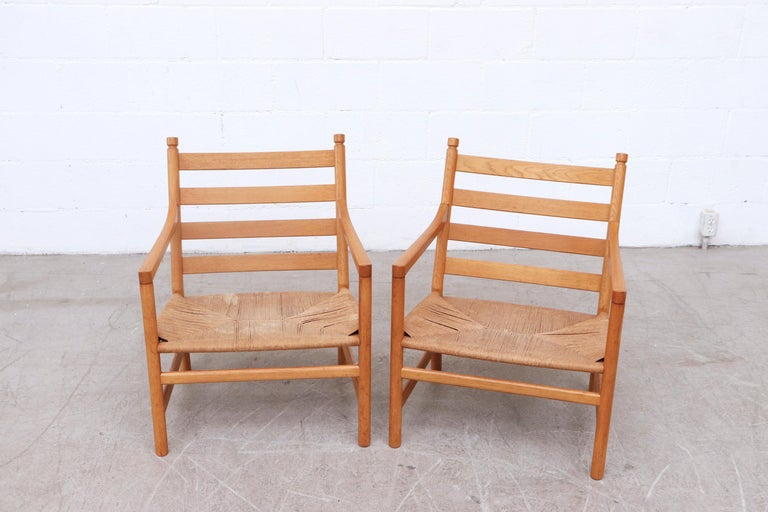 Pair of Hans Wegner CH44 Lounge Chairs for Carl Hansen & Son, Denmark In Good Condition For Sale In Los Angeles, CA