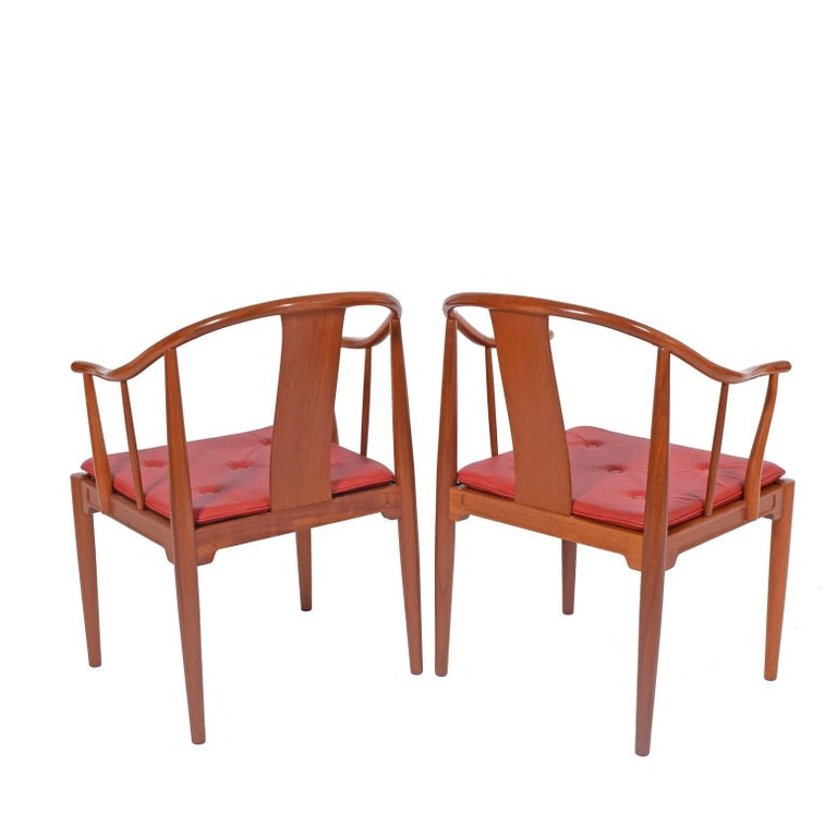 Scandinavian Modern Pair of Hans Wegner