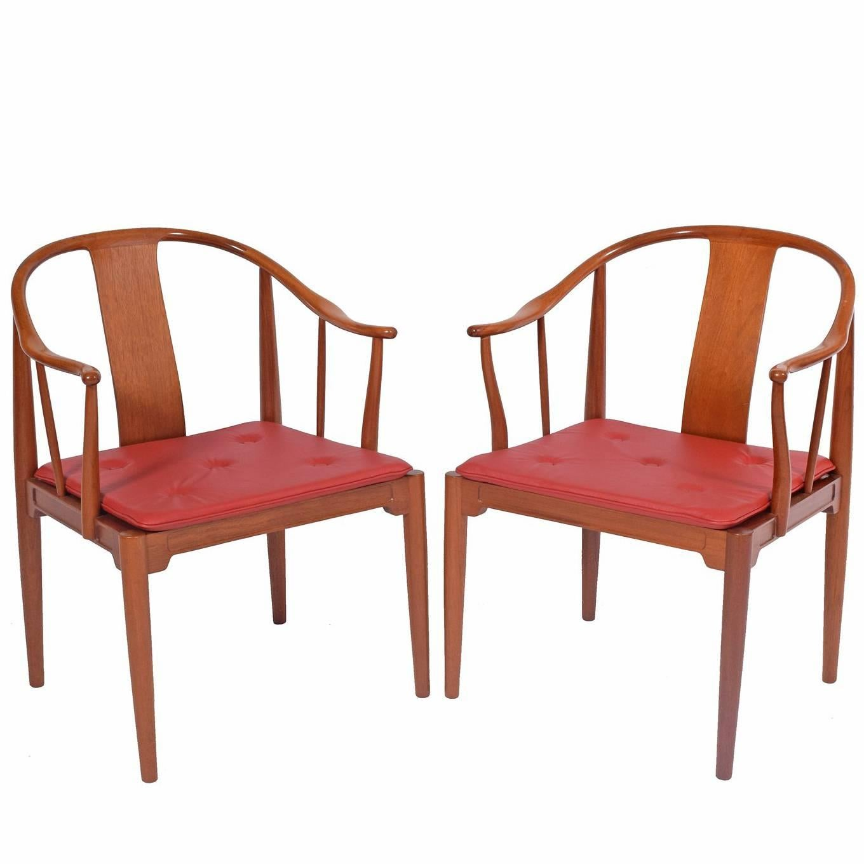 "Pair of Hans Wegner ""Chinese Chairs"" for Fritz Hansen"
