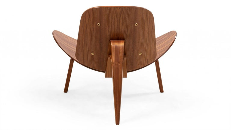 Veneer Pair of Hans Wegner for Carl Hansen & Søn Leather and Bentwood CH07 Shell Chairs For Sale
