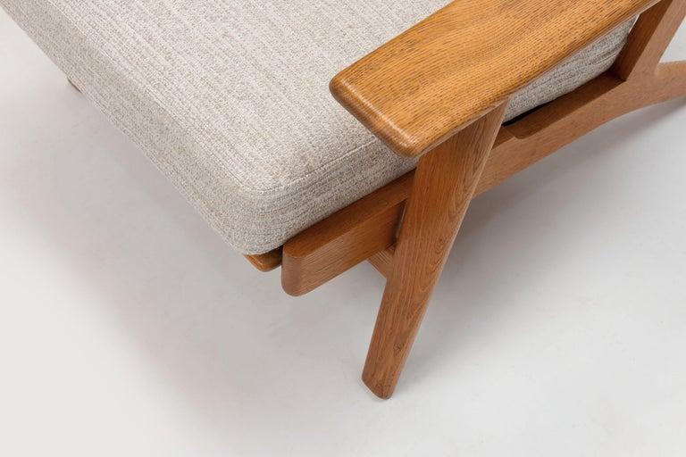 Pair of Hans Wegner Lounge Chairs GE290 by GETAMA For Sale 3