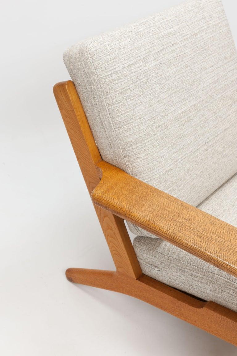 Pair of Hans Wegner Lounge Chairs GE290 by GETAMA For Sale 5