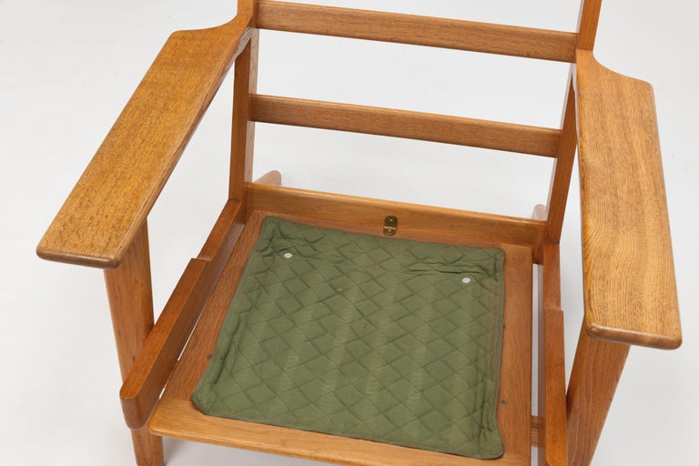 Pair of Hans Wegner Lounge Chairs GE290 by GETAMA For Sale 6