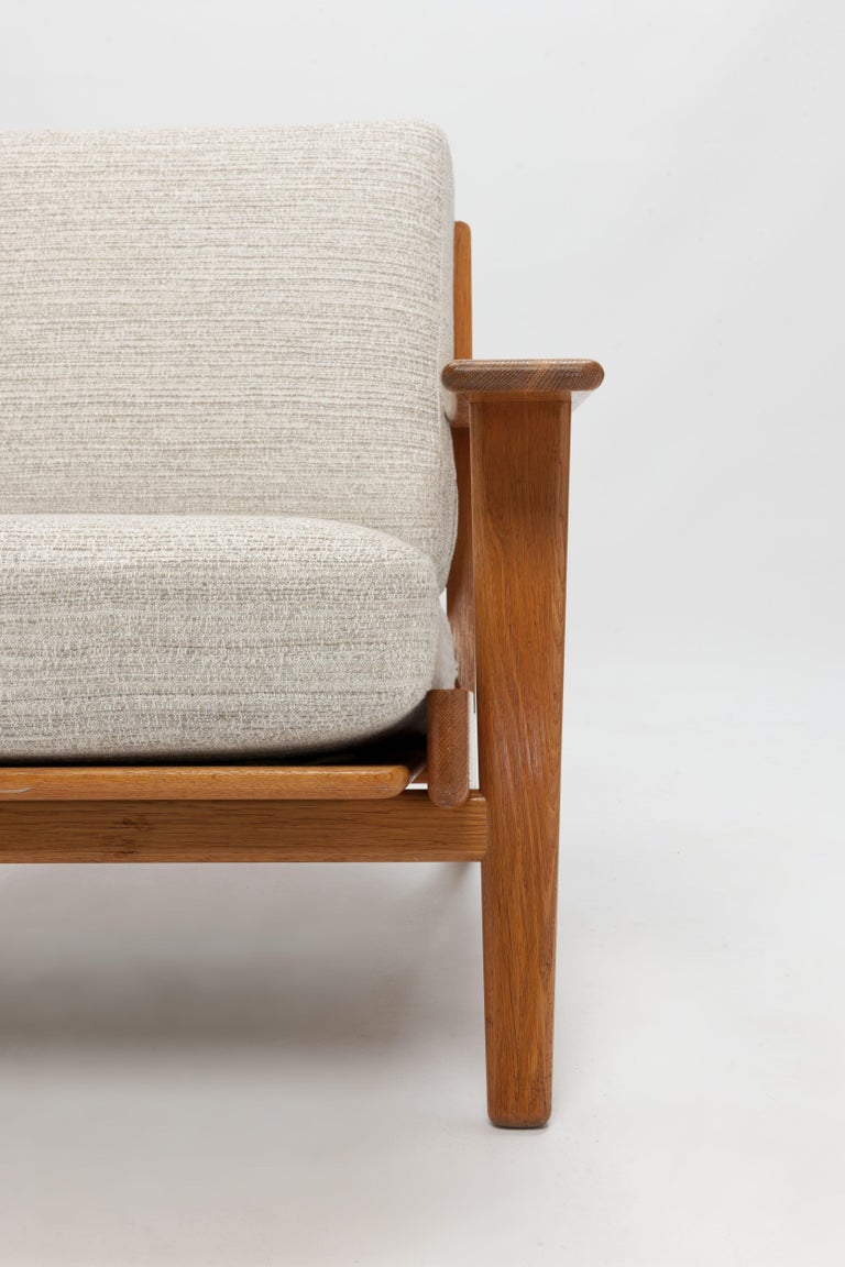 Pair of Hans Wegner Lounge Chairs GE290 by GETAMA For Sale 2