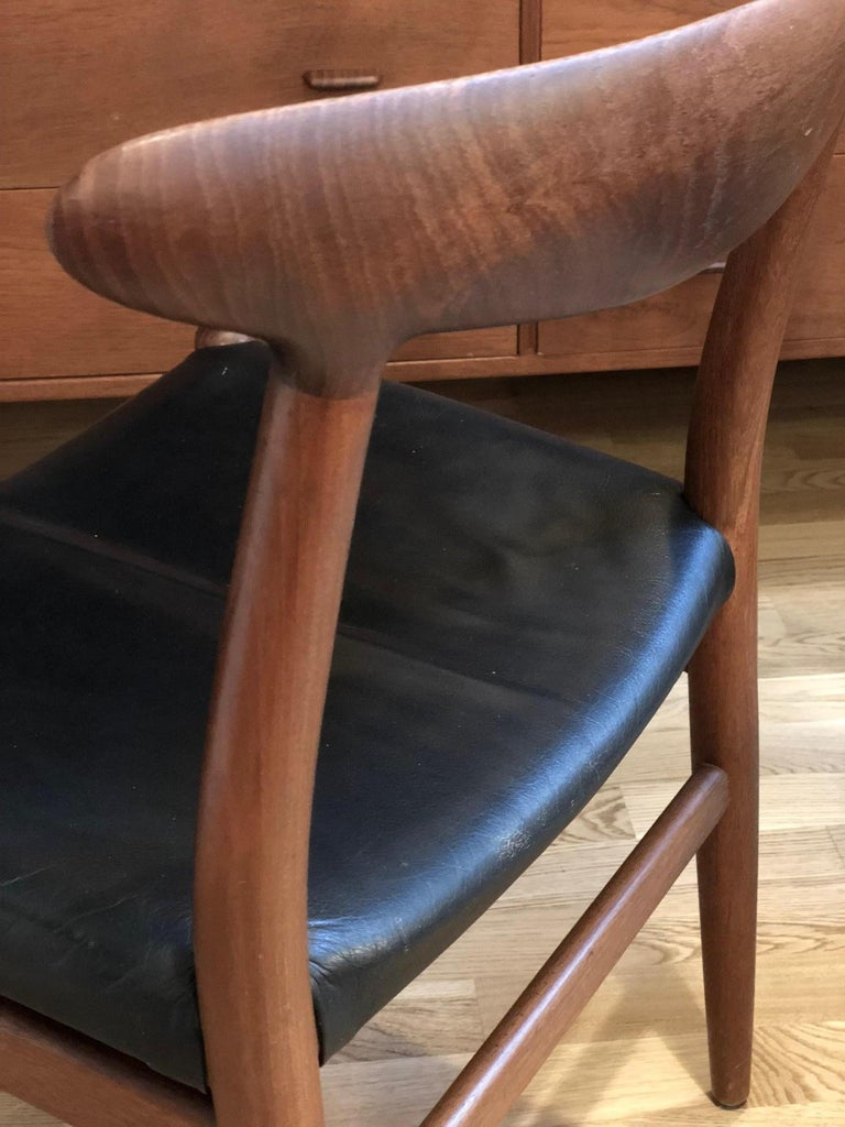 Hand-Crafted Pair of Hans Wegner Model W2 Chairs for C.M. Madsens For Sale