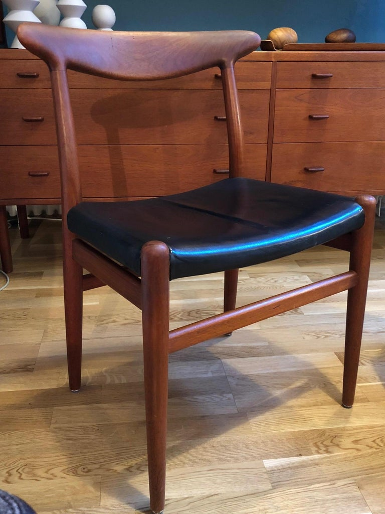 Pair of Hans Wegner Model W2 Chairs for C.M. Madsens For Sale 1