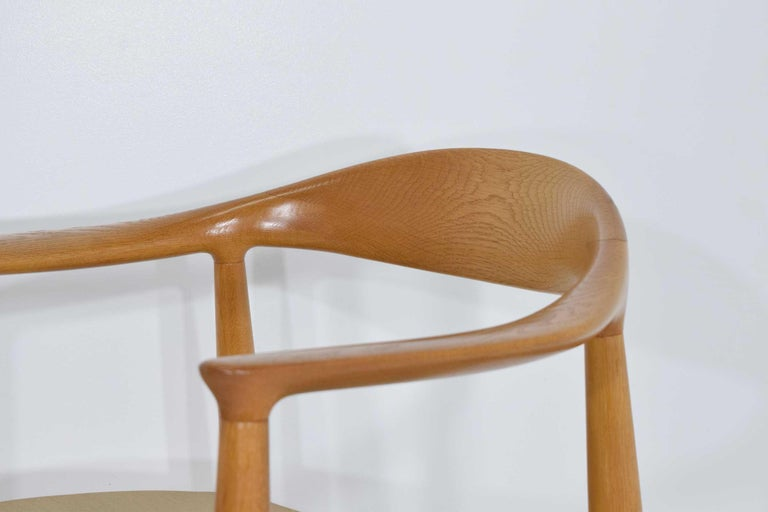 Pair of Hans Wegner Round Chairs For Sale 2