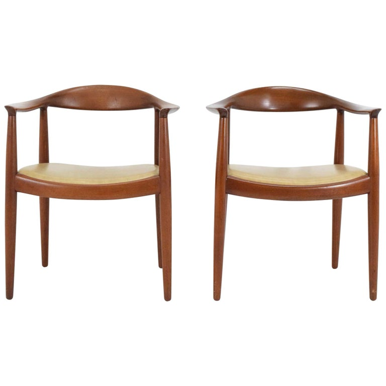 Pair Of Hans Wegner Round Chairs For Sale At 1stdibs