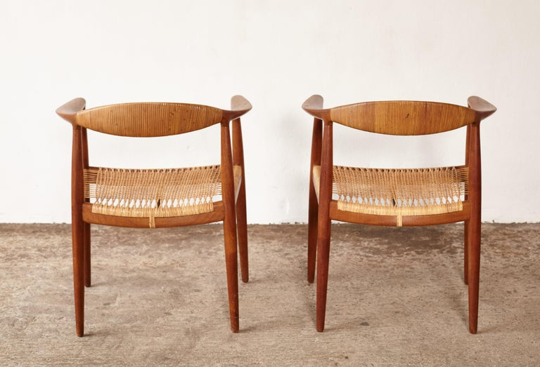 Pair of Hans Wegner the Chair, Model JH501, Johannes Hansen, 1950s-1960s In Good Condition For Sale In London, GB