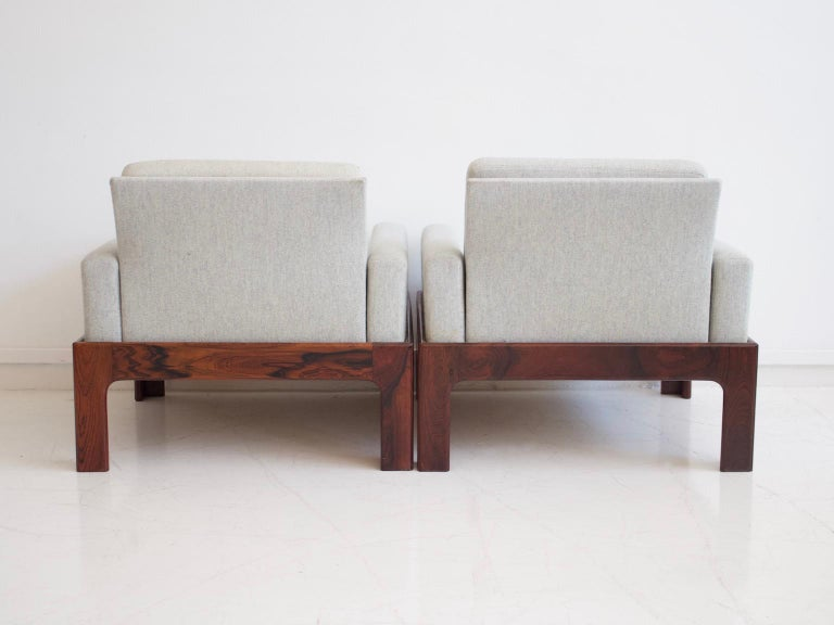 Pair of Hardwood Armchairs with Wool Upholstery by Eilersen In Good Condition For Sale In Madrid, ES