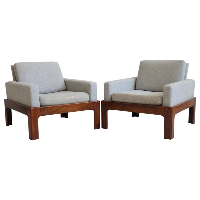 Pair of Hardwood Armchairs with Wool Upholstery by Eilersen For Sale