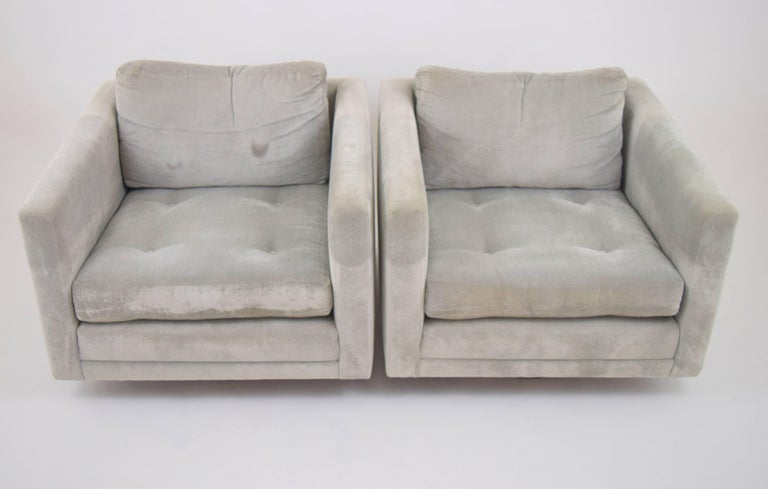 American Pair of Harvey Probber Swivel Chairs For Sale