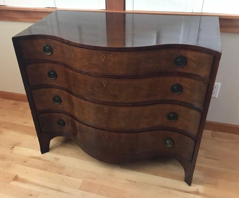 Pair of Hepplewhite Serpentine 1940s American Dressers For Sale 6