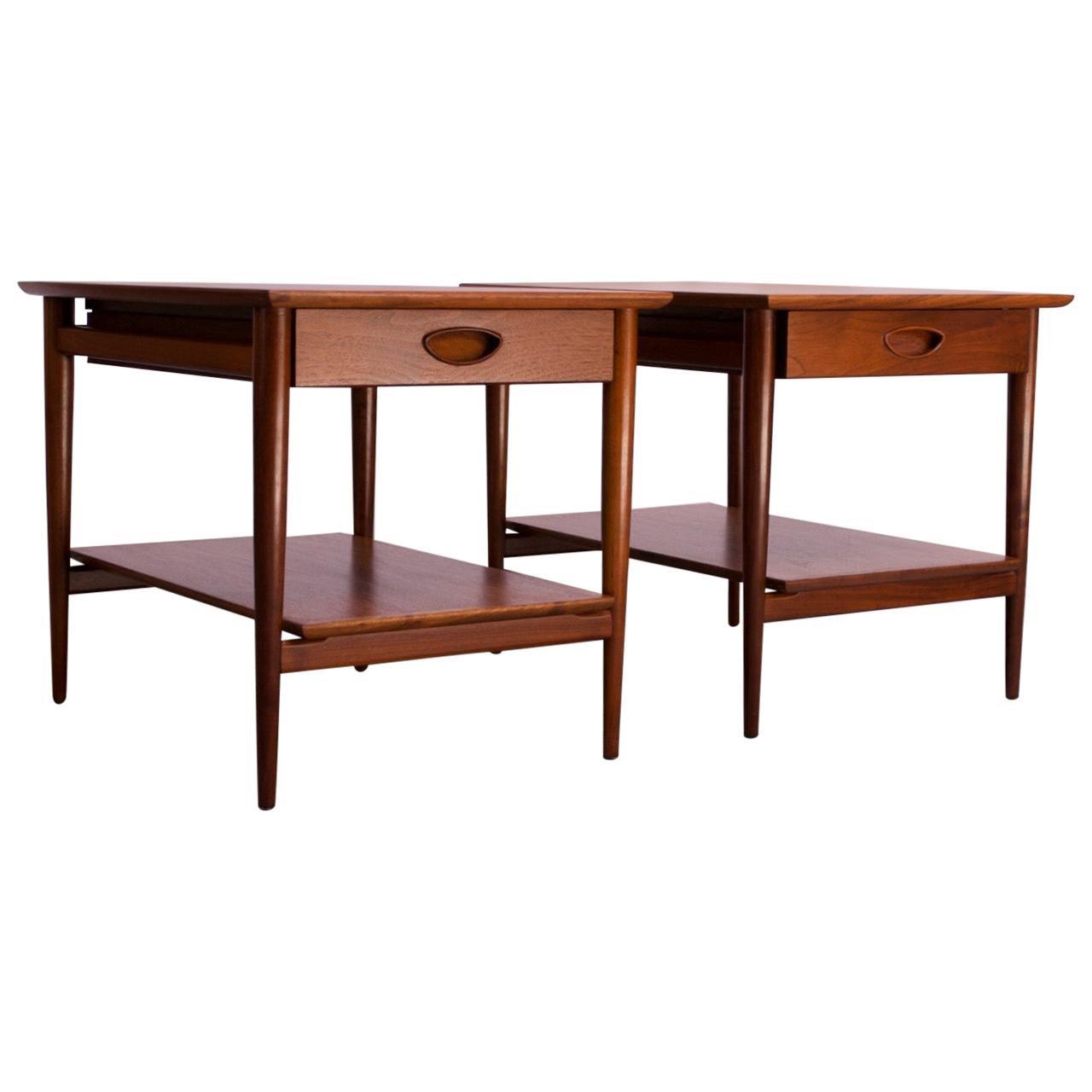 Pair of Heritage Henredon Single Drawer Walnut Side Tables