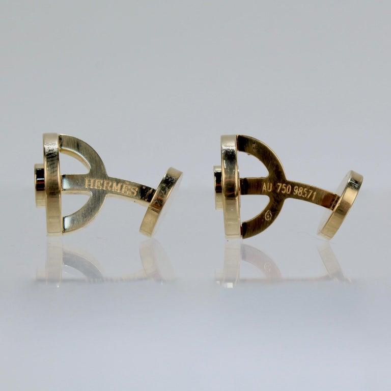 Pair of Hermes 18 Karat Gold Cufflinks For Sale 1