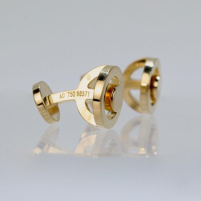 Pair of Hermes 18 Karat Gold Cufflinks For Sale 2