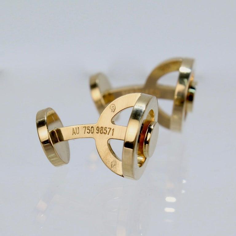 Pair of Hermes 18 Karat Gold Cufflinks For Sale 3