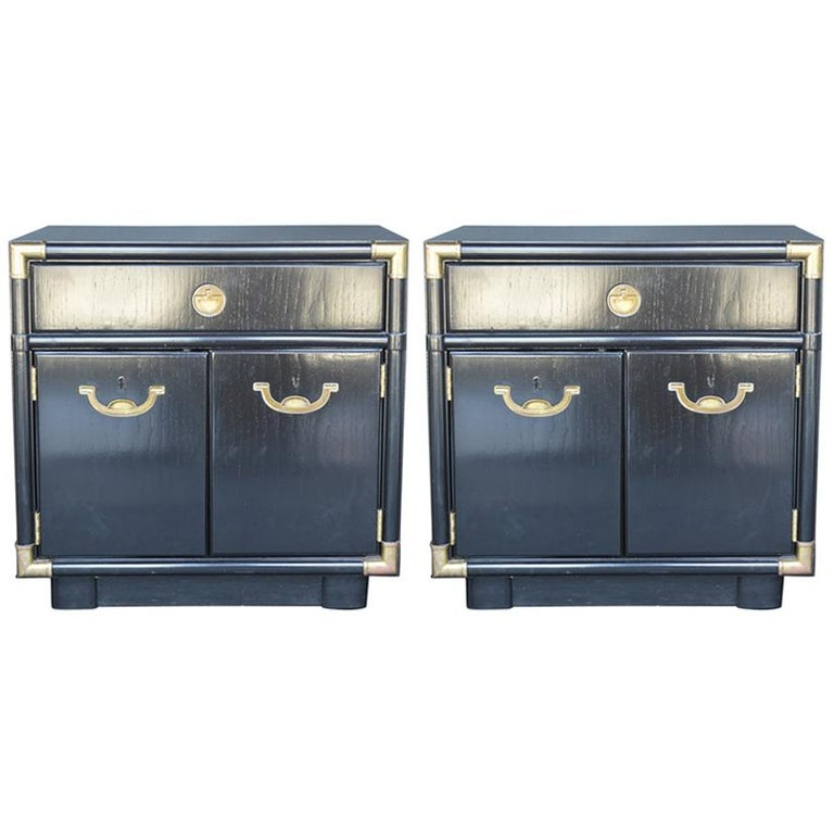 Pair of Hollywood Regency 1940s-1950s Nightstands For Sale