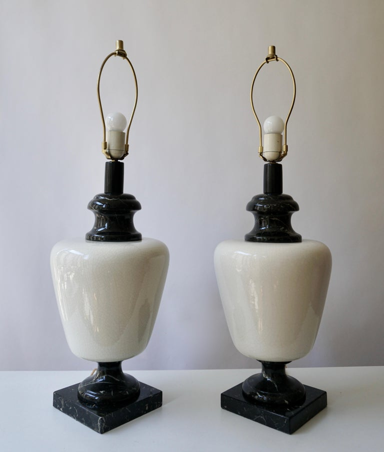 Italian Pair of Hollywood Regency Black and White Marble Table Lamps For Sale