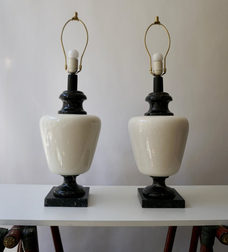 Pair of Hollywood Regency Black and White Marble Table Lamps For Sale 1