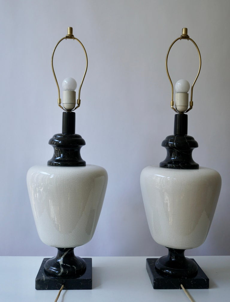 Pair of Hollywood Regency Black and White Marble Table Lamps For Sale 2