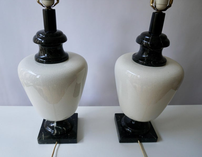 Pair of Hollywood Regency Black and White Marble Table Lamps For Sale 4