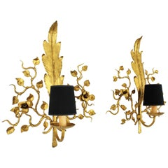 Pair of Hollywood Regency Foliage Floral Wall Sconces in Gilt Iron, 1940s