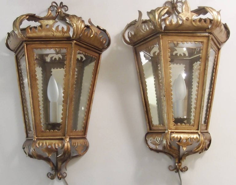 Pair of Hollywood Regency Gilt Toleware Italian Lantern Sconces, 1950s For Sale 5