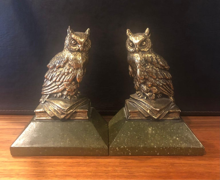 Italian Pair of Hollywood Regency Gold Gilt Owl Bookends by Borghese For Sale