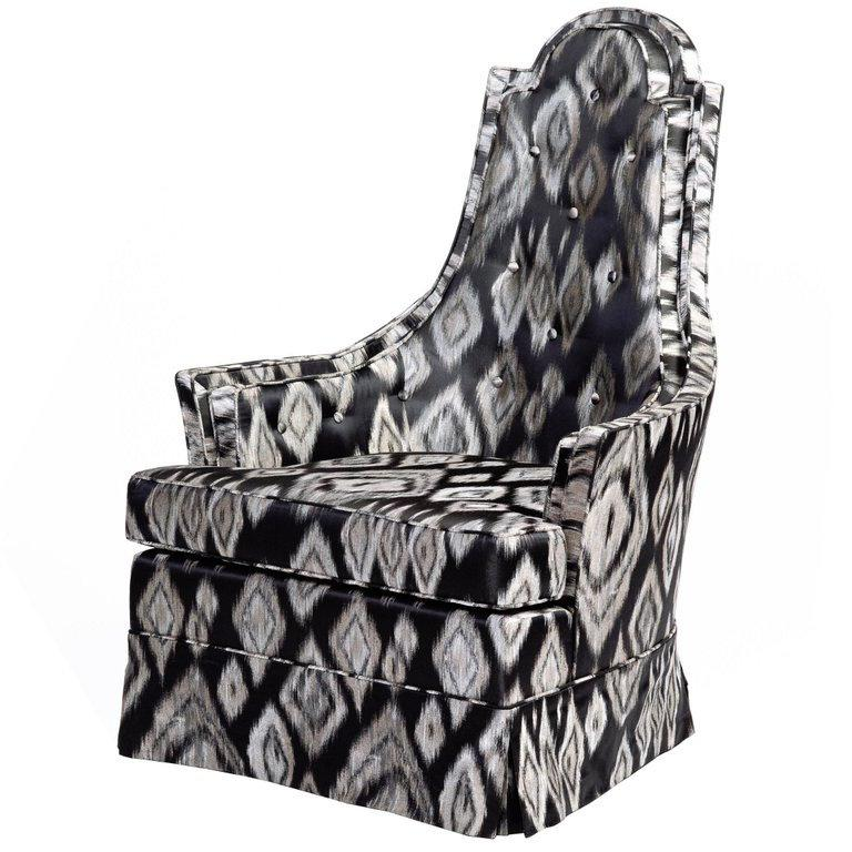 Pair of Hollywood Regency Lounge Chairs in Graphic Ikat Silk In Excellent Condition For Sale In Stamford, CT
