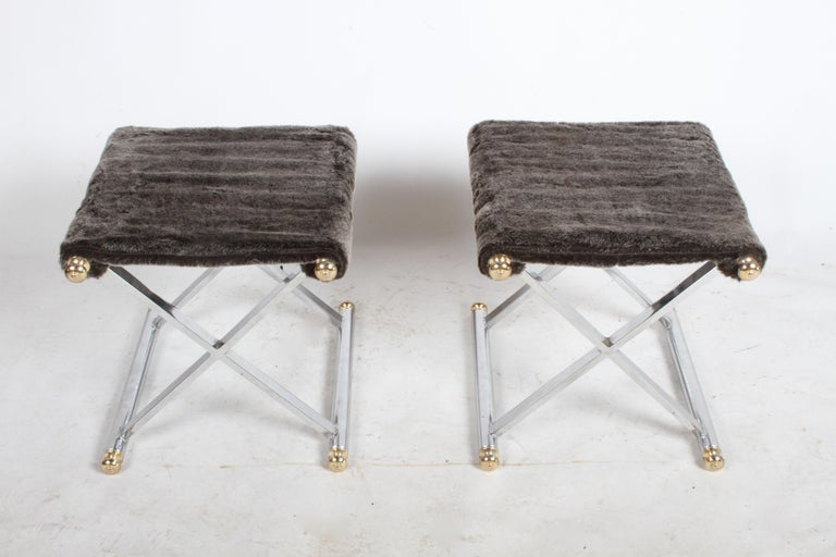 Unknown Pair of Hollywood Regency Maison Jansen Style X-Frame Chrome and Brass Stools For Sale