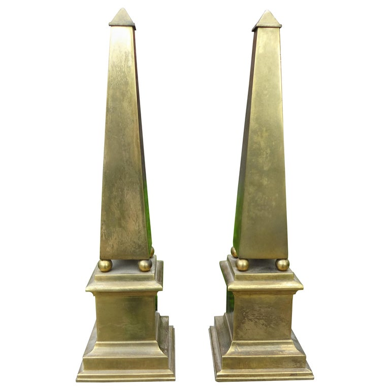 Pair of Hollywood Regency Neoclassical Style Brass Obelisks For Sale