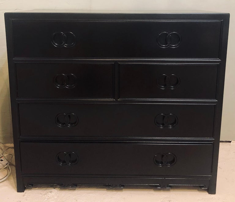 Pair of Hollywood Regency Style Ebony Michael Taylor Designed Chests for Baker In Good Condition For Sale In Stamford, CT