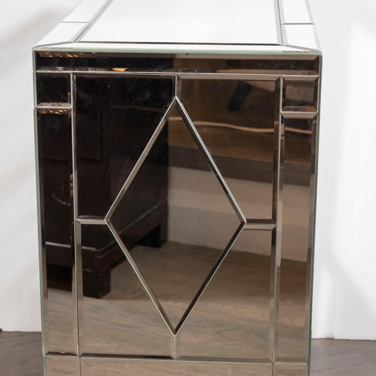 Pair of Hollywood Regency Tessellated Mosaic Mirrored Nightstands/End Tables For Sale 7