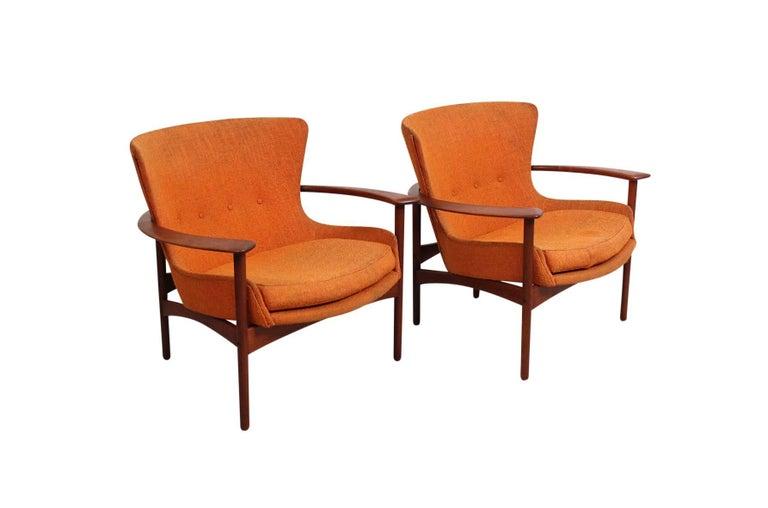 "Scandinavian Modern Pair of ""Horseshoe"" Lounge Chairs by Kofod-Larsen For Sale"