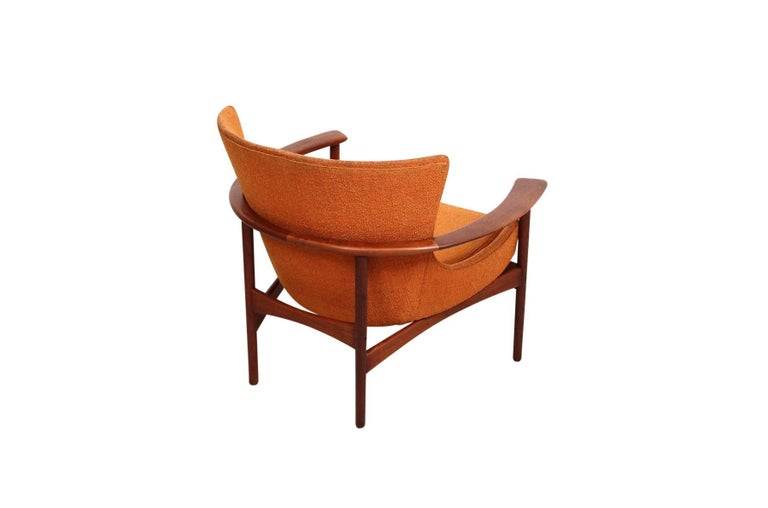 """Pair of """"Horseshoe"""" Lounge Chairs by Kofod-Larsen In Excellent Condition For Sale In Belmont, MA"""