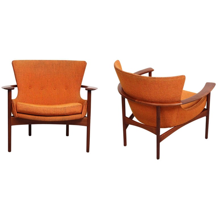 """Pair of """"Horseshoe"""" Lounge Chairs by Kofod-Larsen For Sale"""