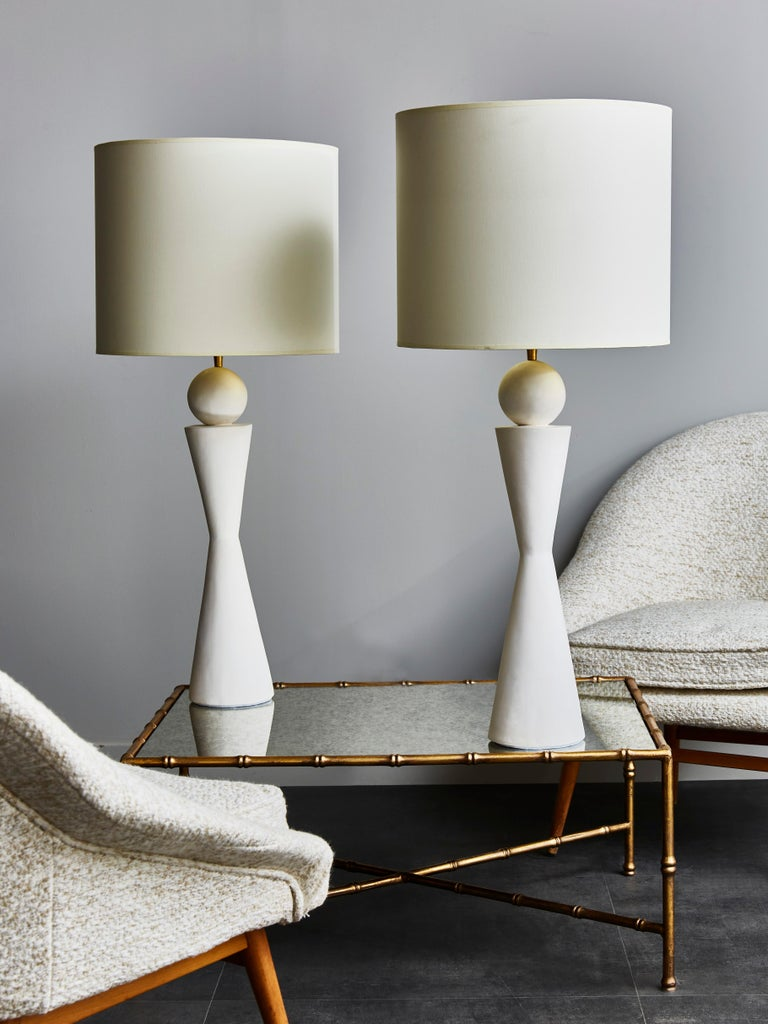 Modern Pair of Hourglass Plaster Table Lamps For Sale