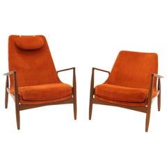 Pair of Ib Kofod-Larsen Seal or Sälen Lounge Chairs, Teak and Burnt Orange