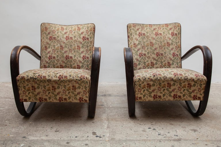 20th Century Pair of iconic H-269 lounge chairs by Jindrich Halabala for UP Závody Brno 1930s For Sale