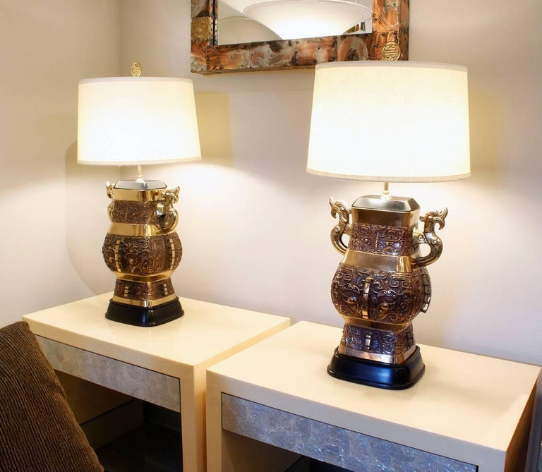 Pair of Impressive Bronze Chinese Urn Table Lamps For Sale 2