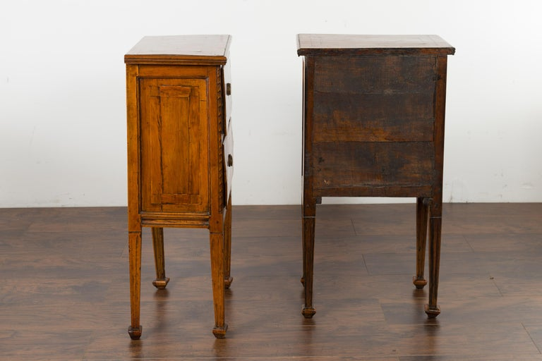 Pair of Italian 1820s Neoclassical Period Walnut Bedside Tables with Two Drawers For Sale 6