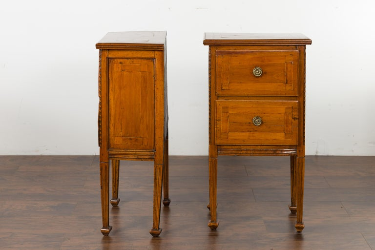 Pair of Italian 1820s Neoclassical Period Walnut Bedside Tables with Two Drawers For Sale 8