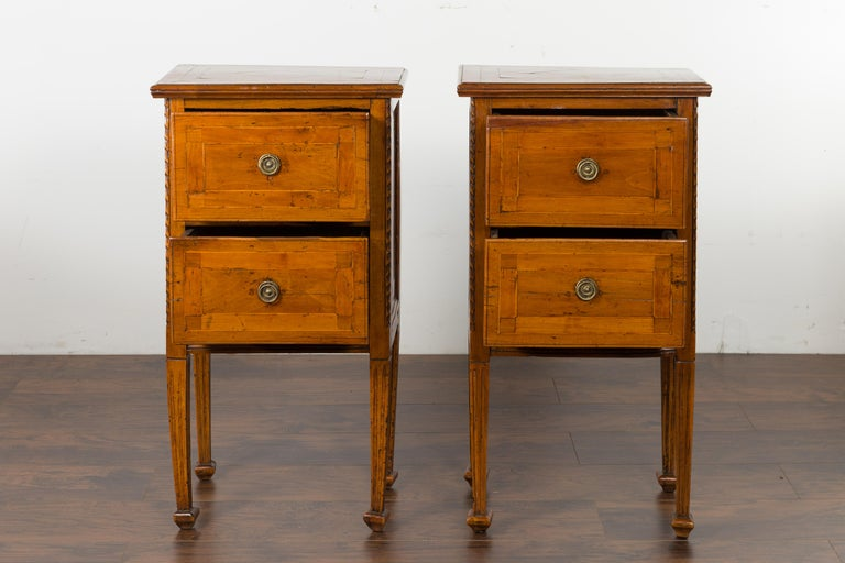 Pair of Italian 1820s Neoclassical Period Walnut Bedside Tables with Two Drawers For Sale 11