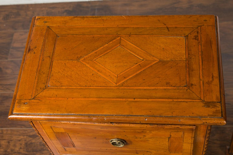 Pair of Italian 1820s Neoclassical Period Walnut Bedside Tables with Two Drawers For Sale 13
