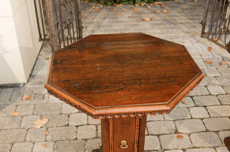 Pair of Italian 1850s Walnut Octagonal Pedestal Carved Tables with Single Door For Sale 7